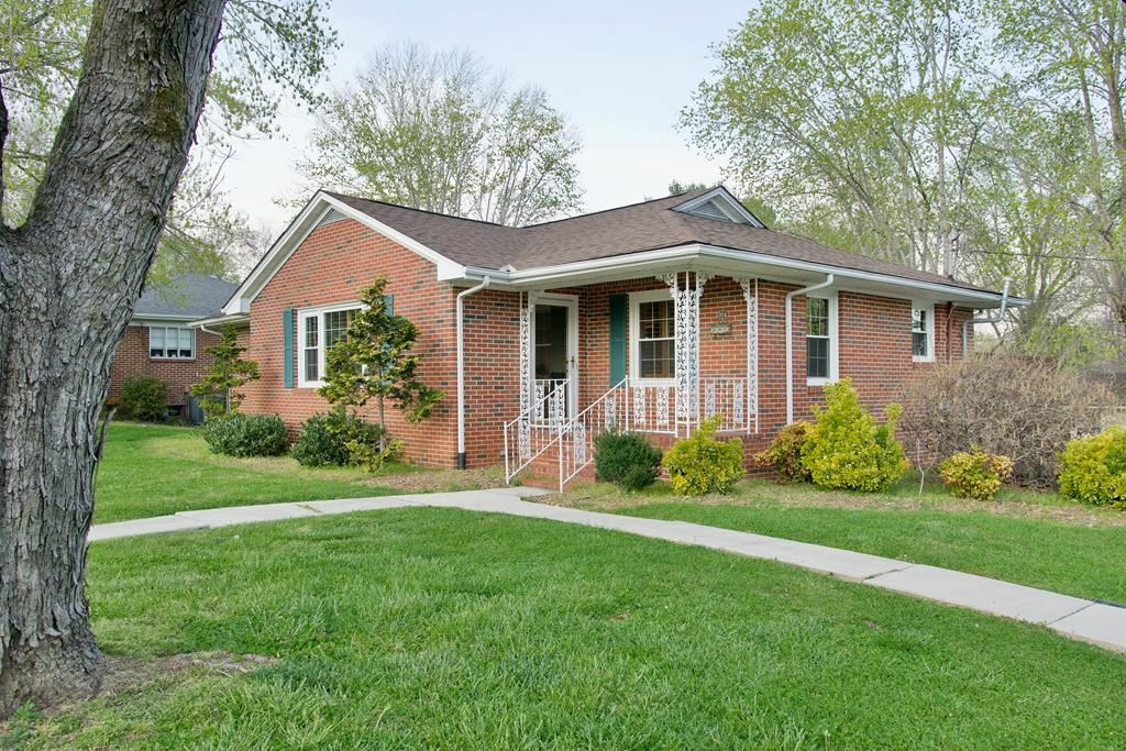 Photo of 304 SW Windsor Dr, SPARTA, TN 38583 (MLS # 204166)