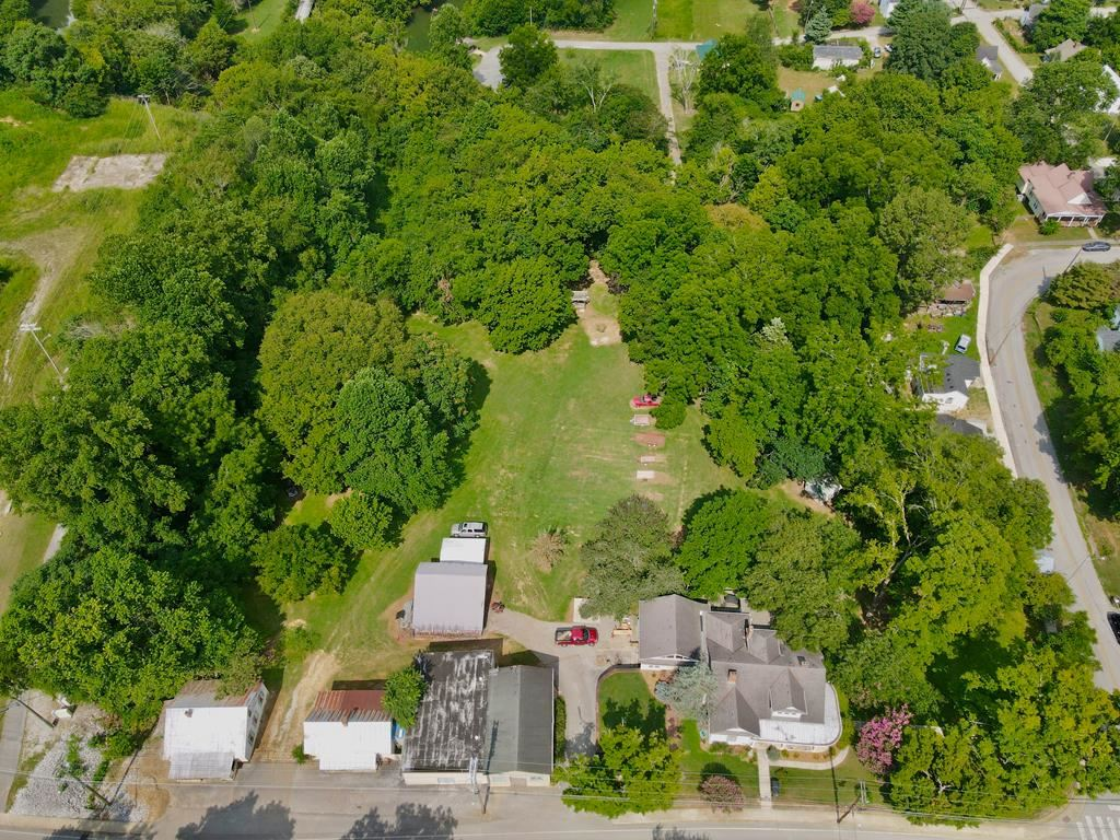 Photo of 133 S Young Street, SPARTA, TN 38583 (MLS # 206263)