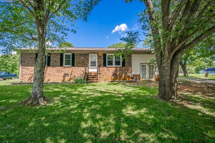 Photo of 412 Fairview Circle, SPARTA, TN 38583 (MLS # 204320)