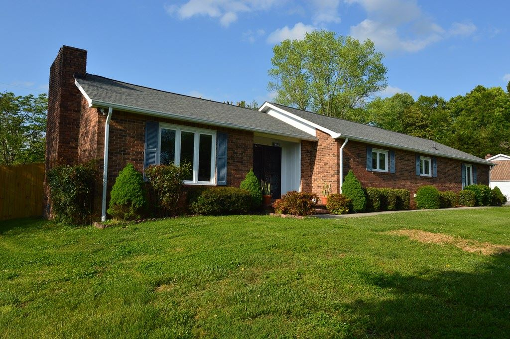 Photo of 1885 Meadow Wood Dr, COOKEVILLE, TN 38506 (MLS # 204361)