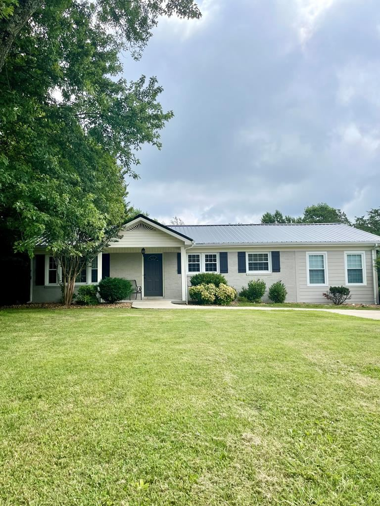 Photo of 1929 N Dixie Ave., COOKEVILLE, TN 38501 (MLS # 205484)