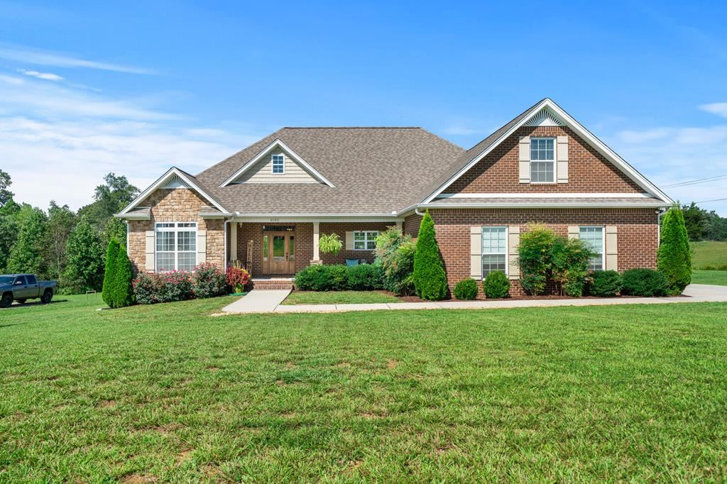 Photo of 2133 FOSTER CIR, COOKEVILLE, TN 38501-8169 (MLS # 206610)