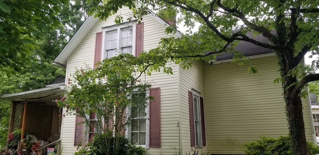 Photo of 203 Donnell St, McMinnville, TN 37110 (MLS # 205624)