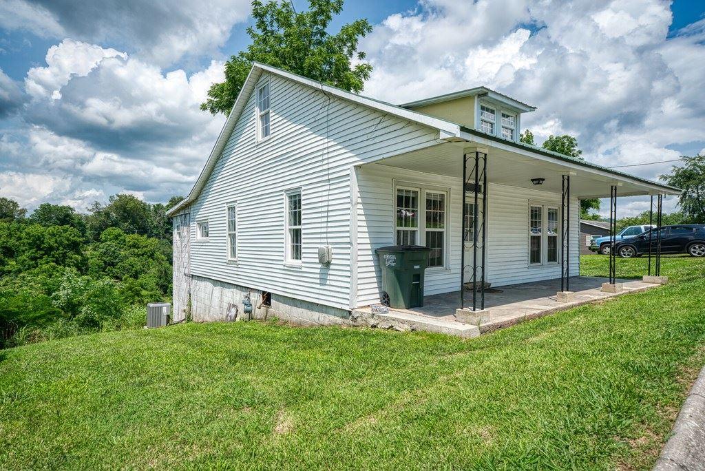 Photo of 238 Roberts St, SPARTA, TN 38583 (MLS # 205630)