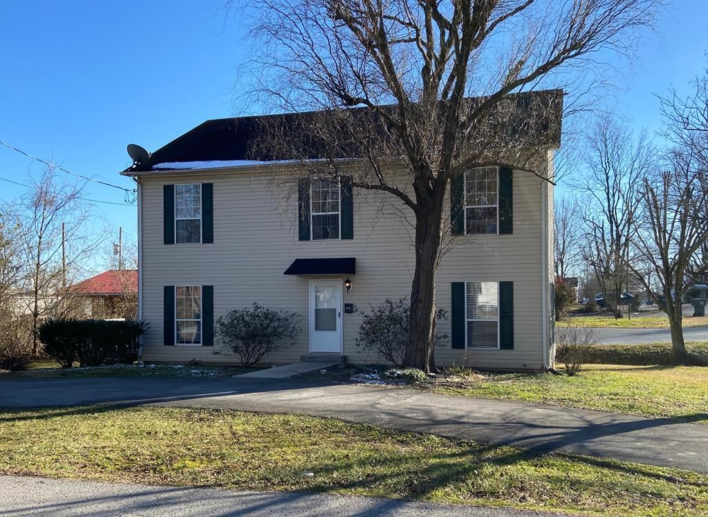Photo of 332 W 6th St, COOKEVILLE, TN 38501 (MLS # 202635)