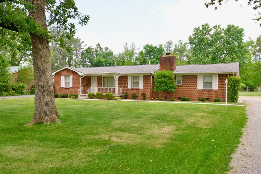 Photo of 340 E 14th St, COOKEVILLE, TN 38501 (MLS # 204694)