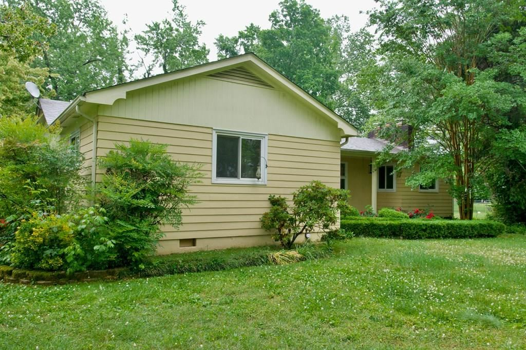 Photo of 1129 NE Womack Ave, COOKEVILLE, TN 38501 (MLS # 204707)