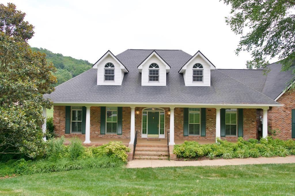 Photo of 1319 Plantation Drive, COOKEVILLE, TN 38506 (MLS # 205755)