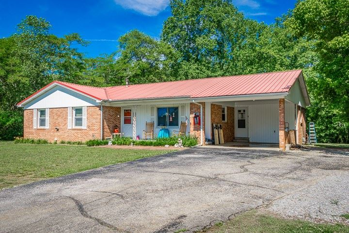 Photo of 2418 McMinnville Hwy, SPARTA, TN 38583 (MLS # 204855)