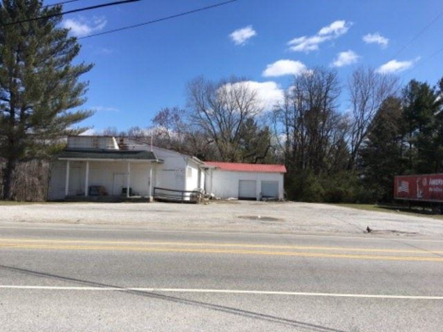 Photo of 1740 S Jefferson Ave, COOKEVILLE, TN 38506 (MLS # 204912)