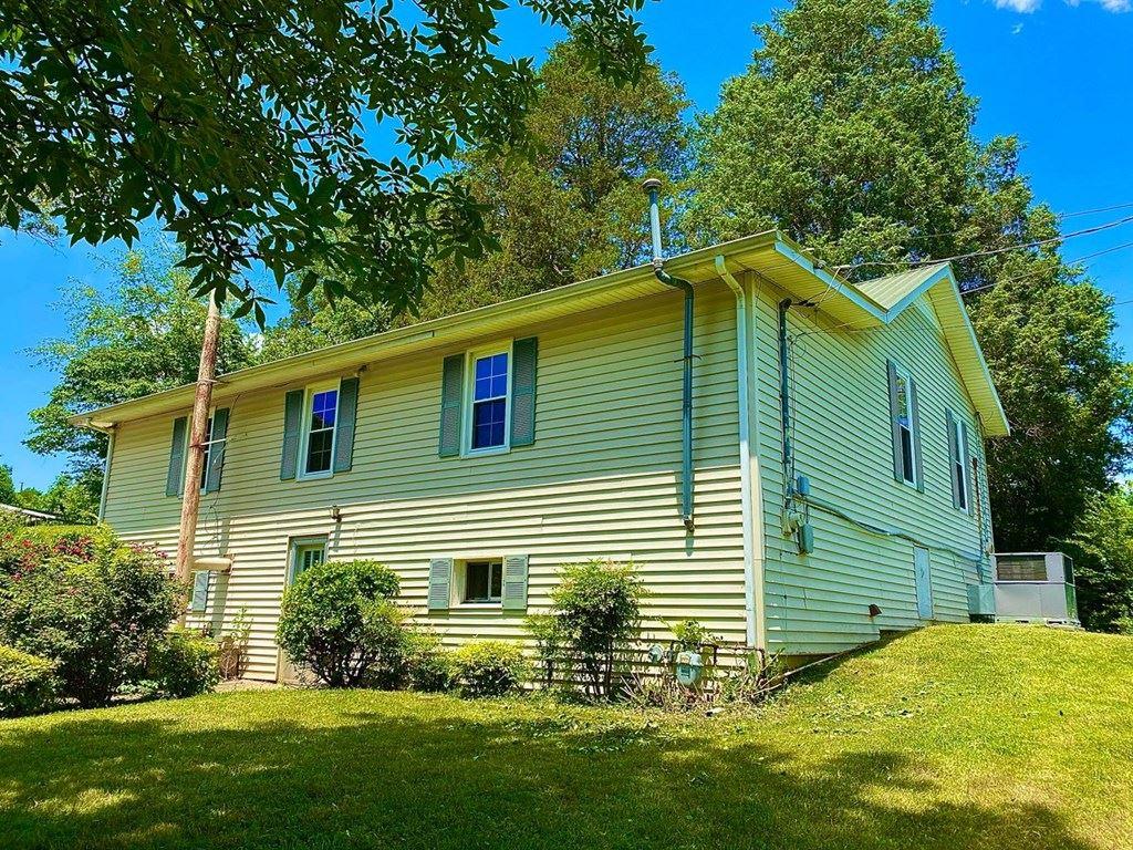 Photo of 192 Elm Grove Rd, LIVINGSTON, TN 38570 (MLS # 205935)