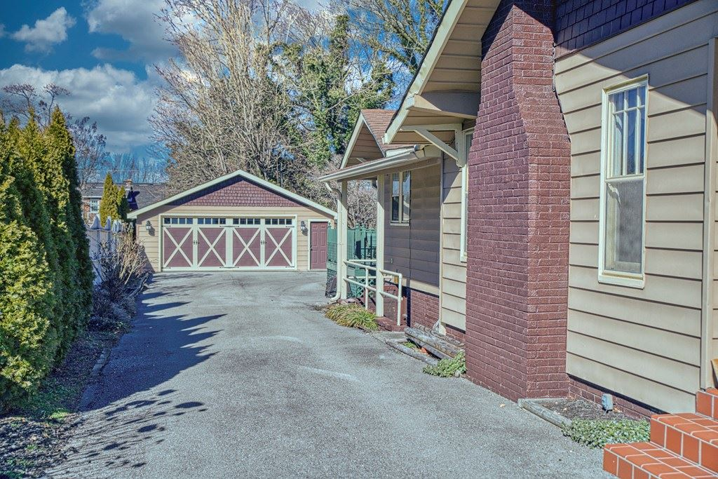 Photo of 464 E Broad St., COOKEVILLE, TN 38501 (MLS # 202973)