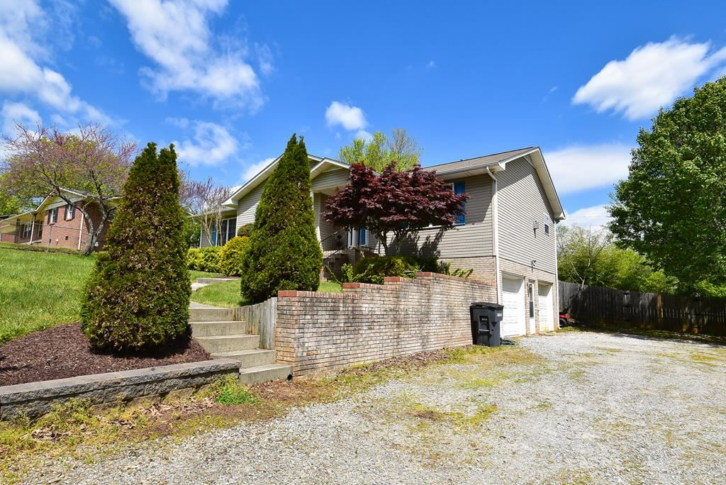 Photo of 58 Linden Street, COOKEVILLE, TN 38501 (MLS # 203973)