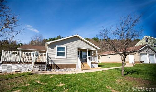 Photo of 920 E C, Iron Mountain, MI 49801 (MLS # 1126190)