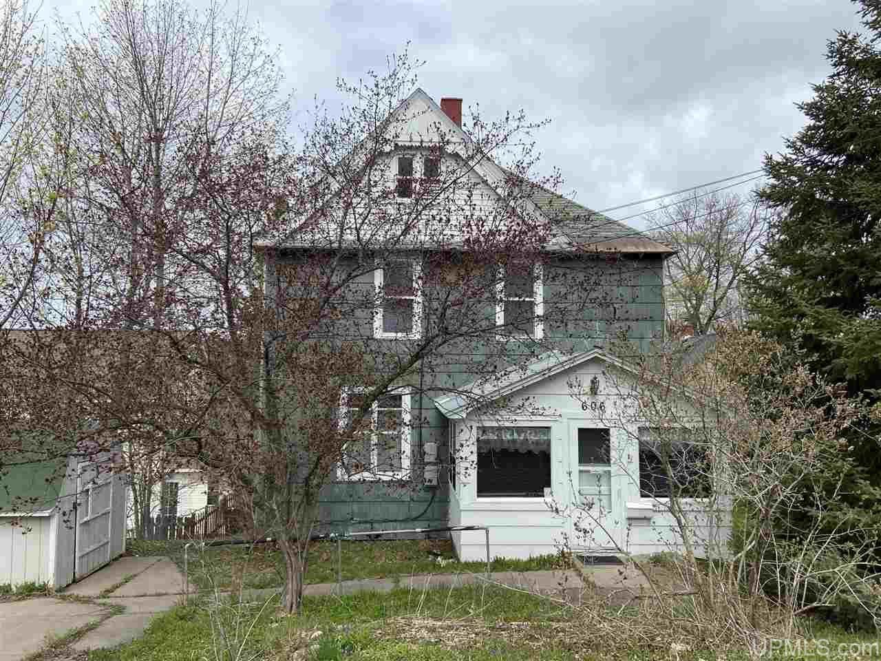 Photo of 606 W Edwards, Houghton, MI 49931 (MLS # 1126734)