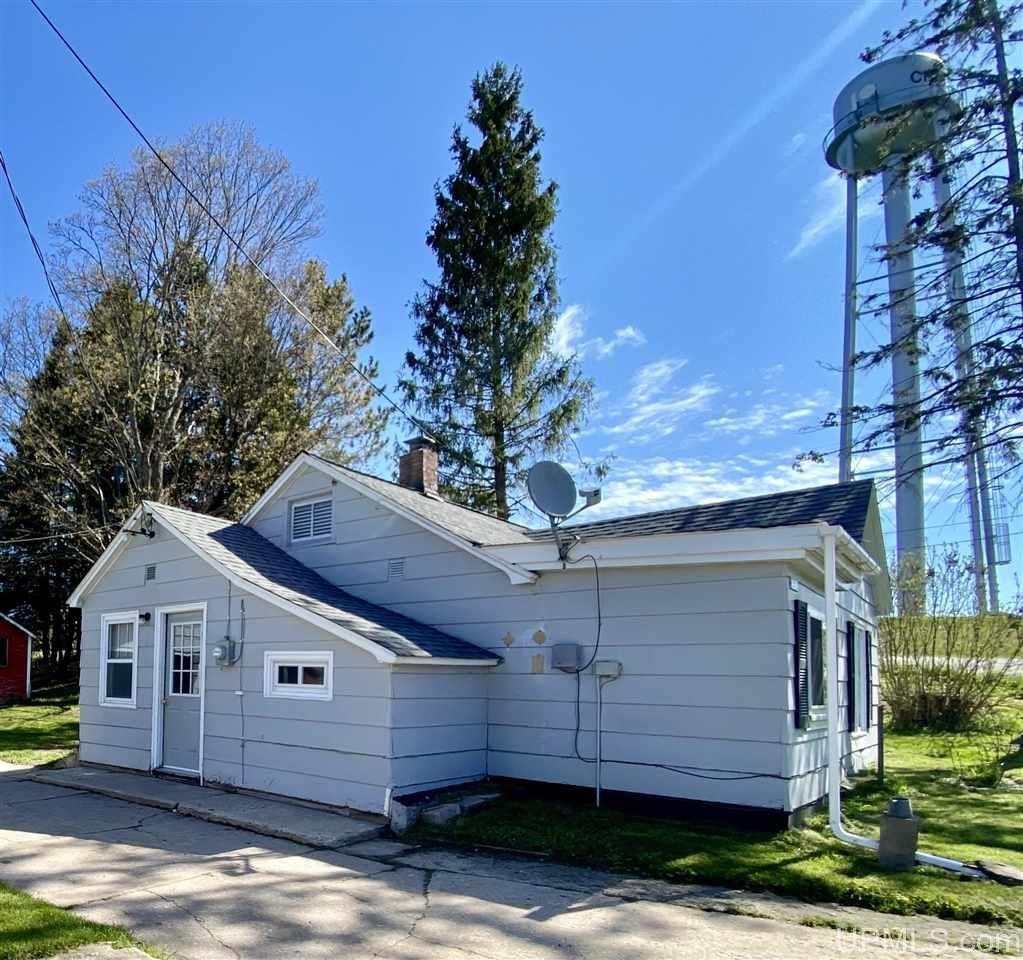 Photo of 3722 E Onota, Chatham, MI 49816 (MLS # 1126763)