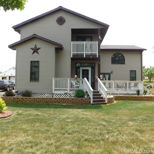 Photo of 809 E D, Iron Mountain, MI 49801 (MLS # 1121772)