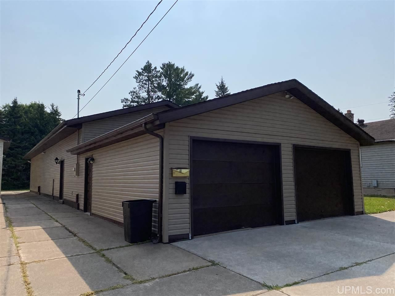 Photo of 405 7th, Hurley, WI 54534 (MLS # 1128964)