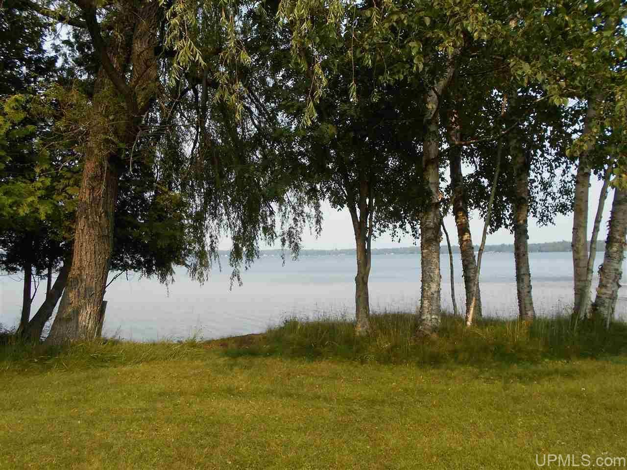 Photo of 628N West Gulliver Lake Rd, Gulliver, MI 49840 (MLS # 1128965)