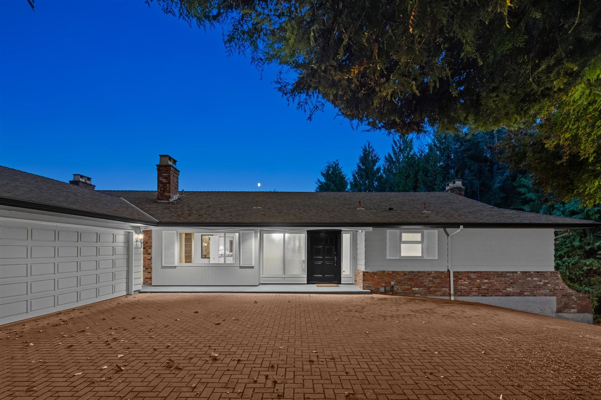 Photo of 1376 BURNSIDE ROAD, West Vancouver, BC V7S 2P5 (MLS # R2620054)