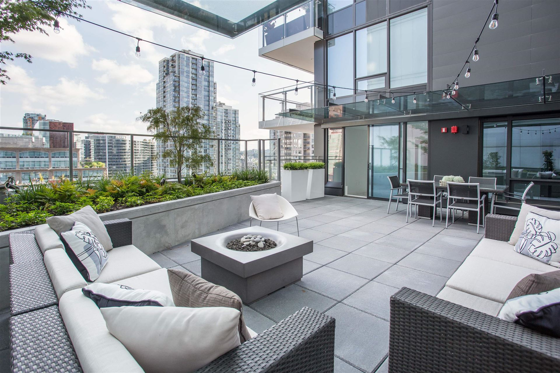 Photo for 902 885 CAMBIE STREET, Vancouver, BC V6B 0R6 (MLS # R2611070)