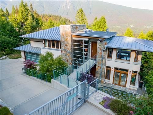 Photo of 561 BALLANTREE ROAD, West Vancouver, BC V7S 1W4 (MLS # R2603082)