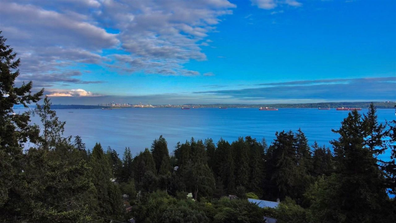 Photo of 4765 CLOVELLY WALK, West Vancouver, BC V7W 1H7 (MLS # R2580112)