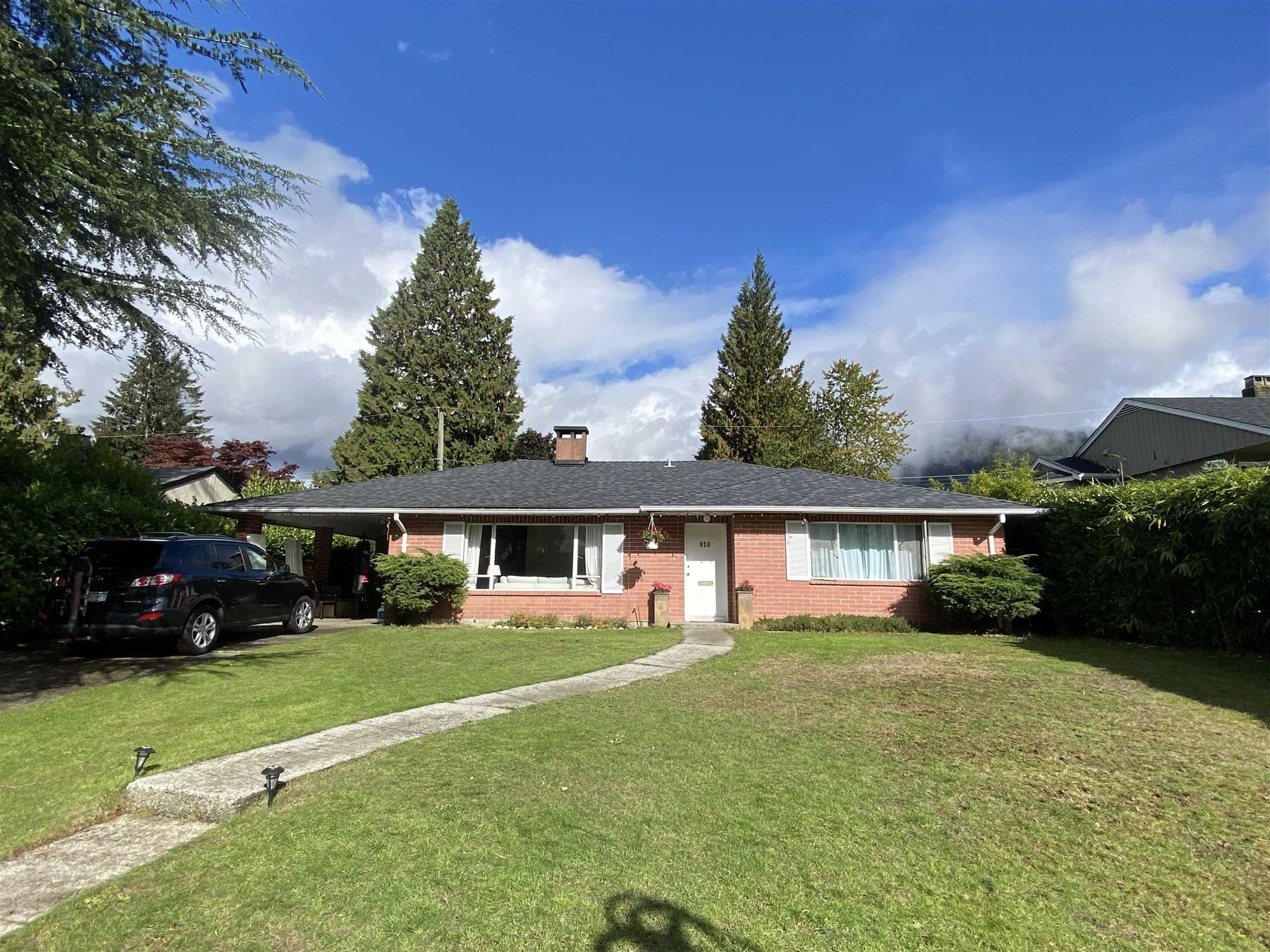 Photo of 918 WENTWORTH AVENUE, North Vancouver, BC V7R 1R7 (MLS # R2624148)