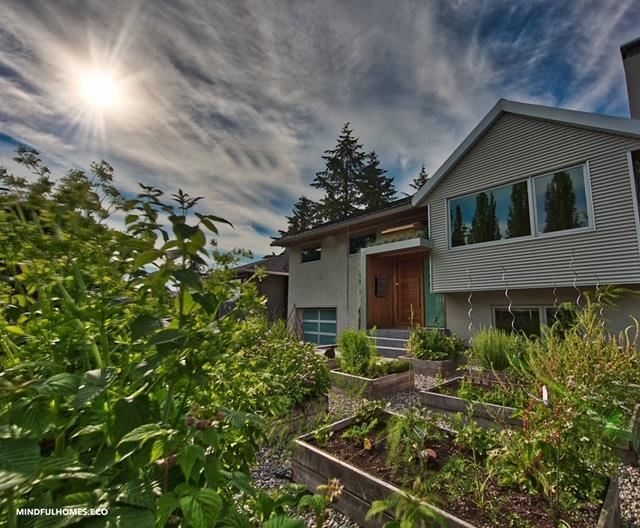 Photo of 318 W QUEENS ROAD, North Vancouver, BC V7N 2K5 (MLS # R2620166)