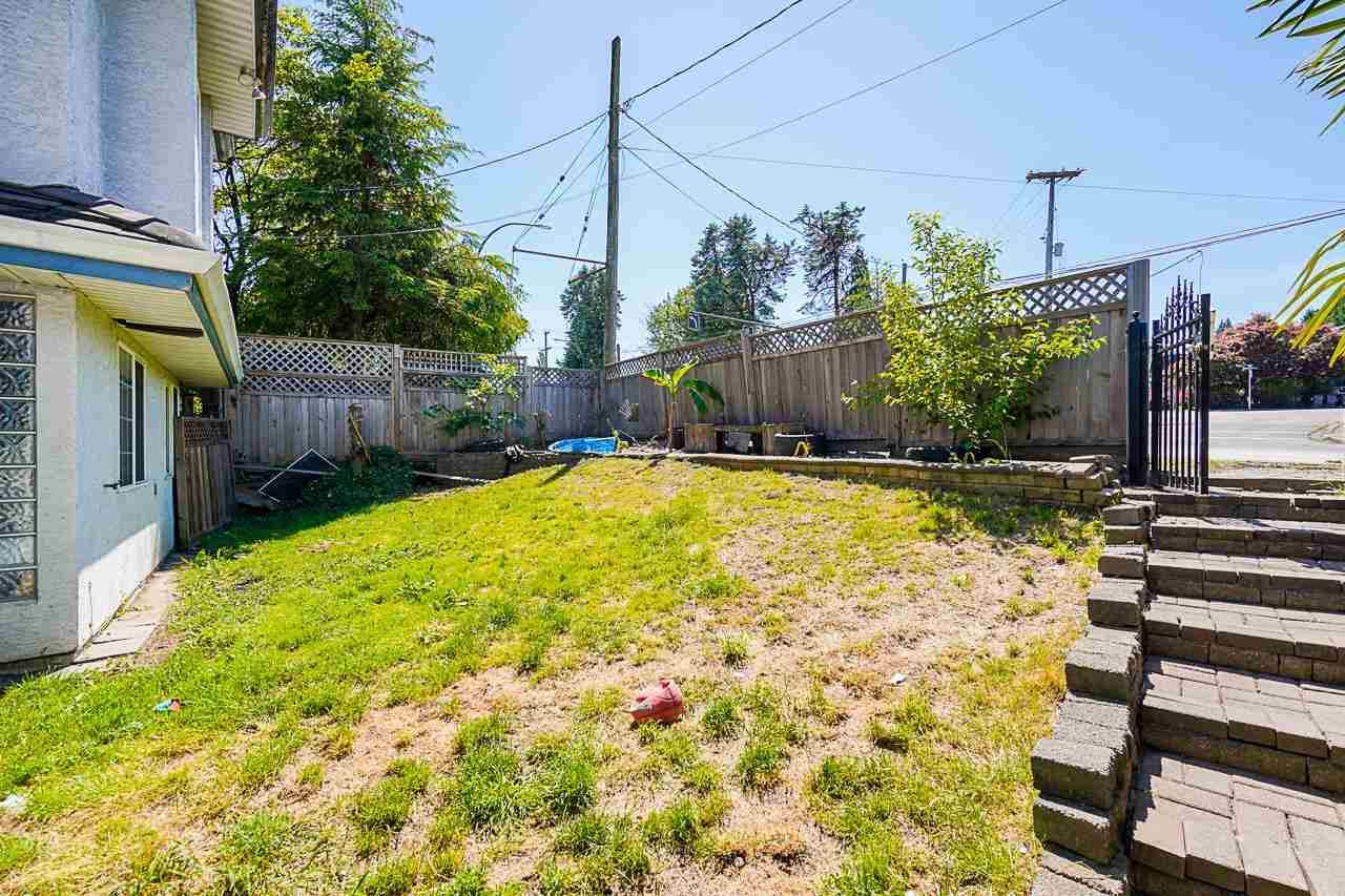 Photo of 520 E COLUMBIA STREET, New Westminster, BC V3L 3X7 (MLS # R2585219)