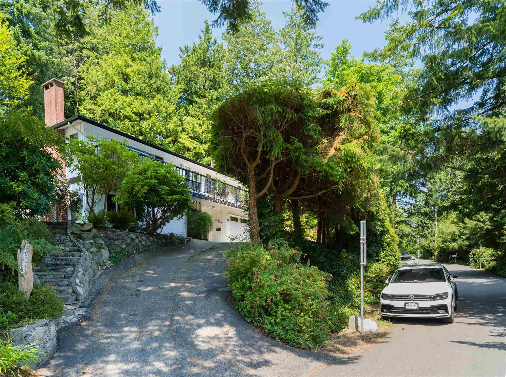 Photo of 6825 HYCROFT ROAD, West Vancouver, BC V7W 2K7 (MLS # R2604237)