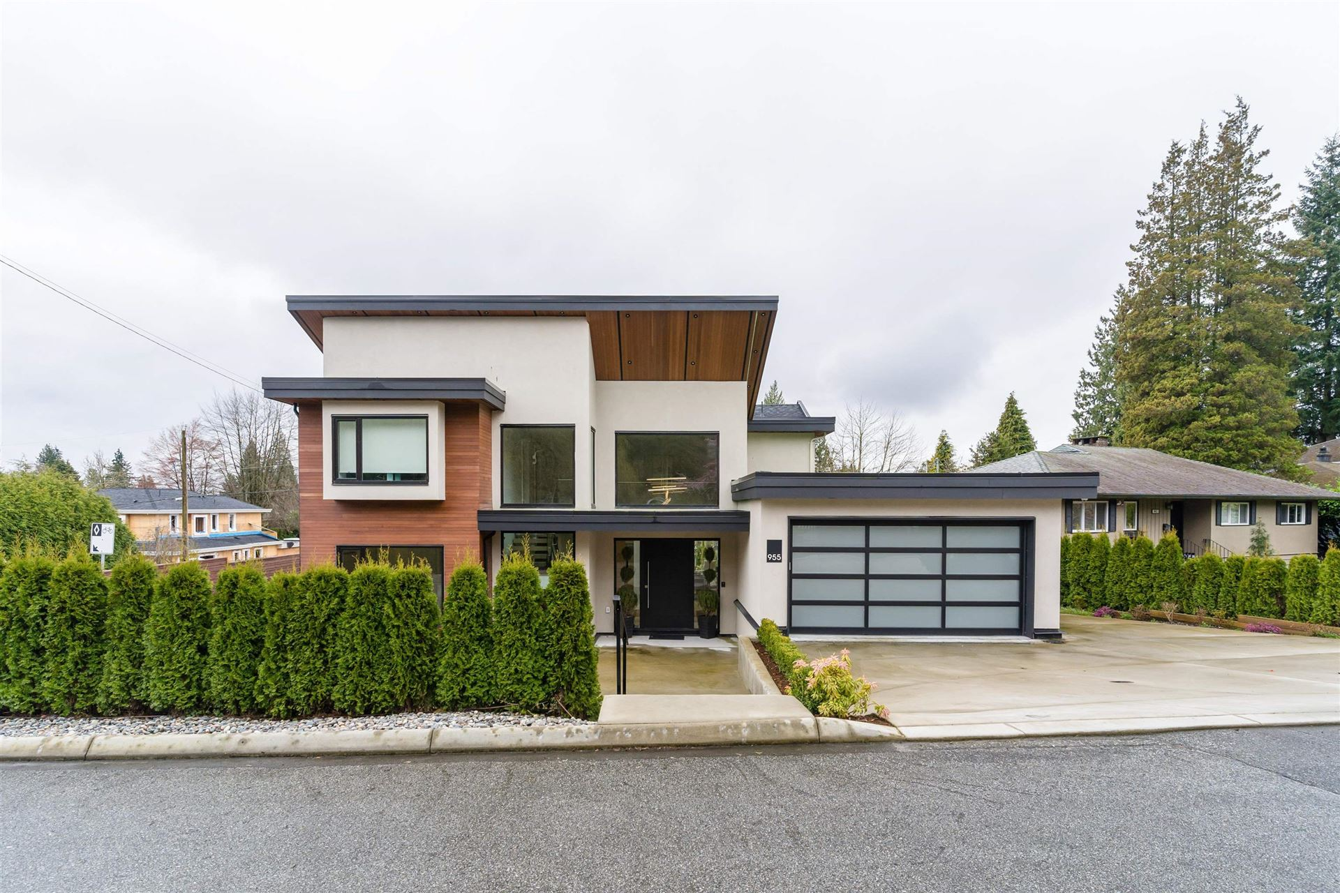 Photo of 955 FOREST HILLS DRIVE, North Vancouver, BC V7R 1N4 (MLS # R2620254)