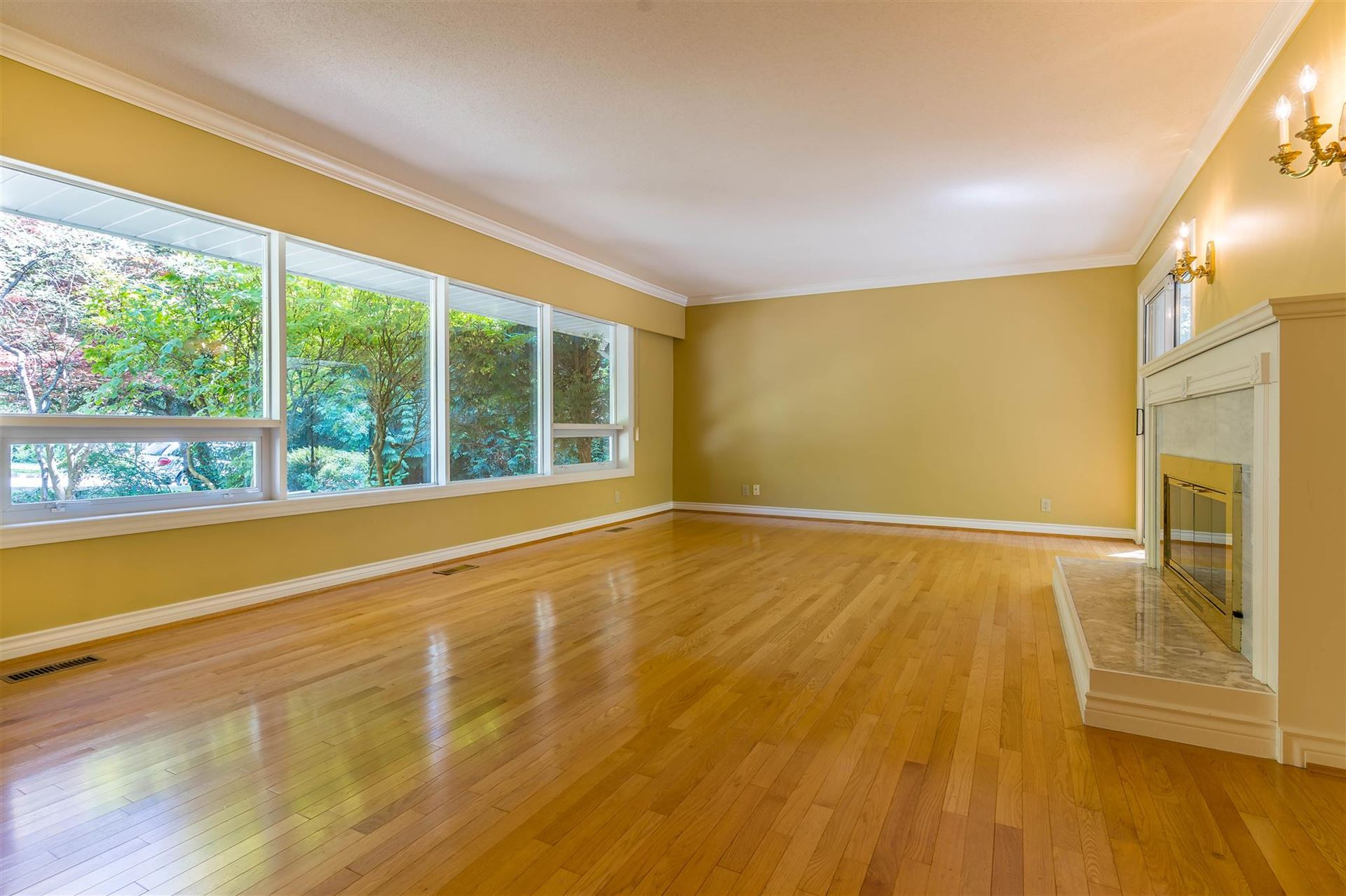 Photo of 1645 TAYLOR WAY, West Vancouver, BC V7S 1N5 (MLS # R2605446)