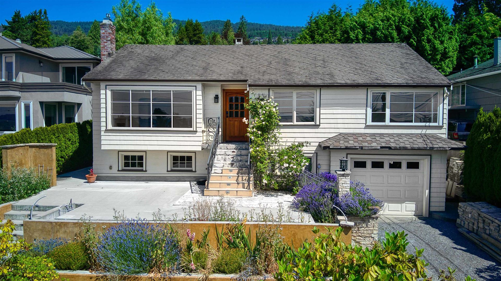 Photo of 2379 NELSON AVENUE, West Vancouver, BC V7V 2R1 (MLS # R2626483)