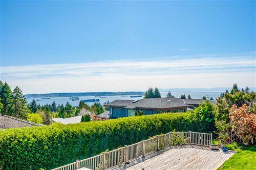 Photo of 1720 ROSEBERY AVENUE, West Vancouver, BC V7V 2Z4 (MLS # R2602525)