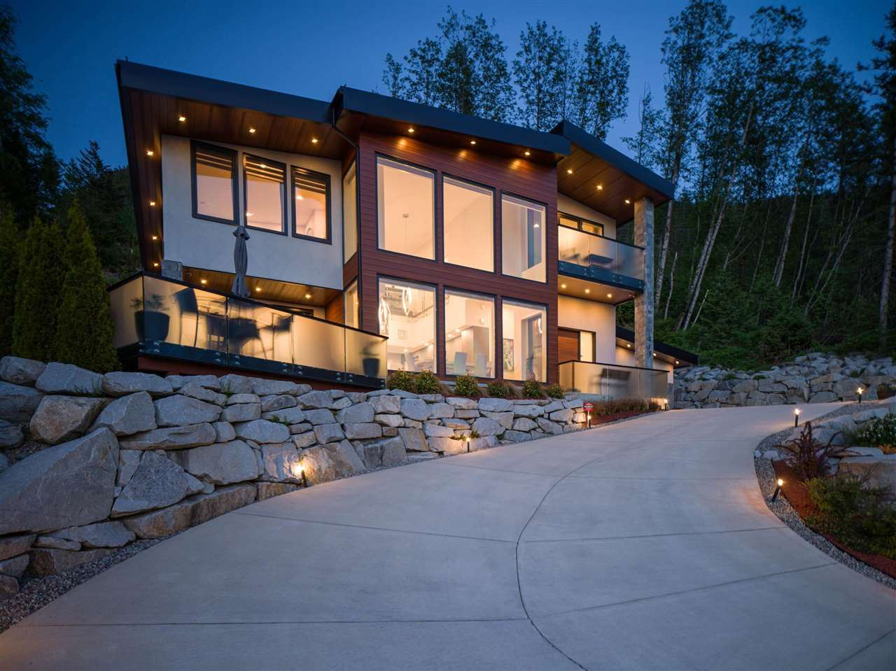 Photo of 315 FURRY CREEK DRIVE, West Vancouver, BC V0N 3Z2 (MLS # R2619633)