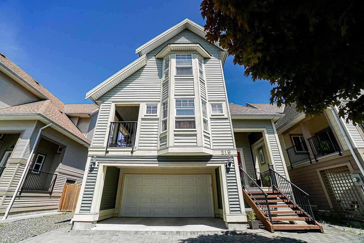 Photo of 219 HUME STREET, New Westminster, BC V3M 5N6 (MLS # R2585725)
