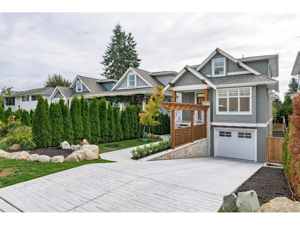 Photo of 15512 RUSSELL AVENUE, White Rock, BC V4B 2R3 (MLS # R2619852)