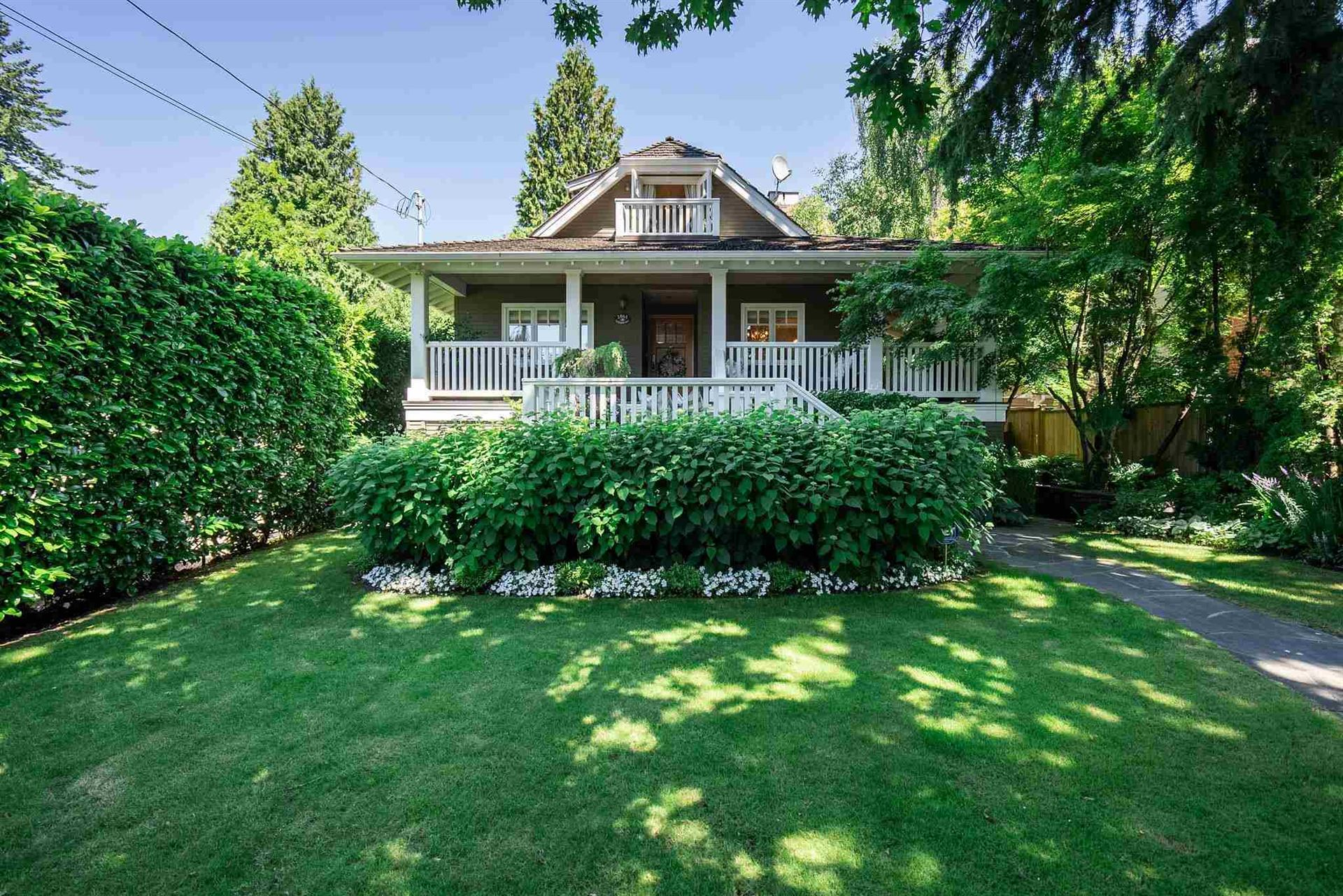 Photo of 2065 FULTON AVENUE, West Vancouver, BC V7V 1T3 (MLS # R2578955)