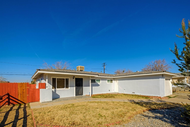16130 Del Norte Drive, Victorville, CA 92395 - MLS#: 522077