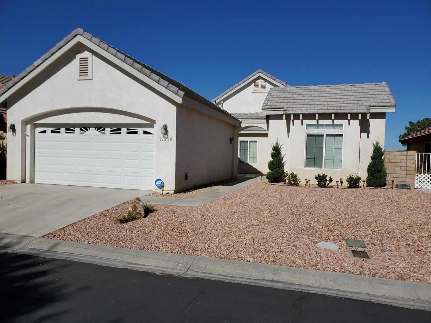 11280 Country Club Drive, Apple Valley, CA 92308 - MLS#: 526755