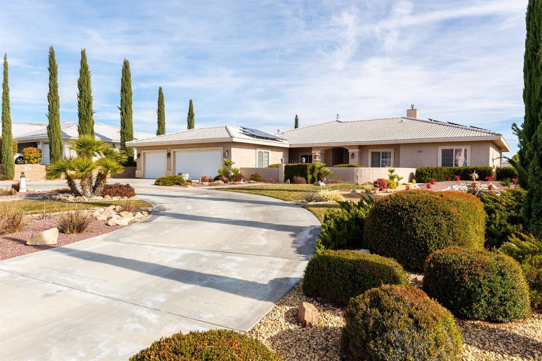 16209 Crown Valley Drive, Apple Valley, CA 92307 - MLS#: 520971