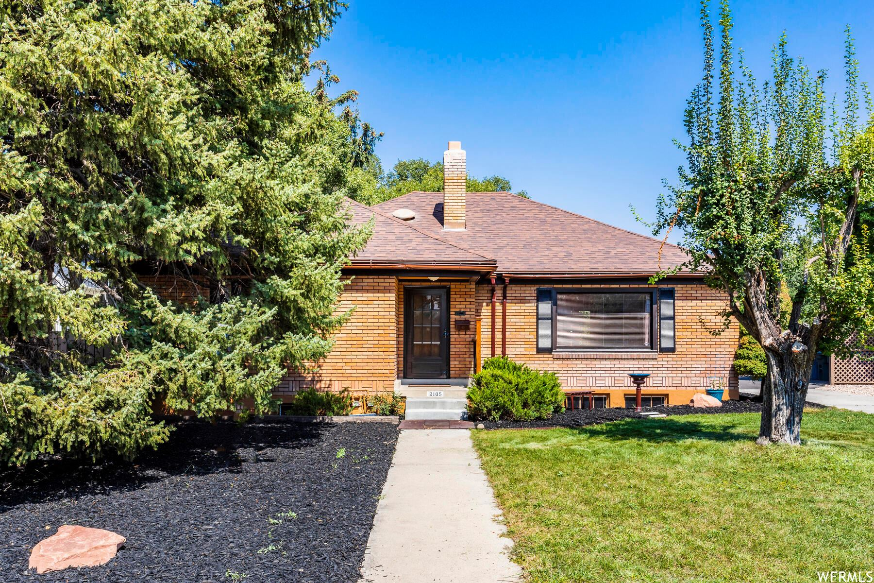 Photo of 2105 E 2700 S, Salt Lake City, UT 84109 (MLS # 1714013)