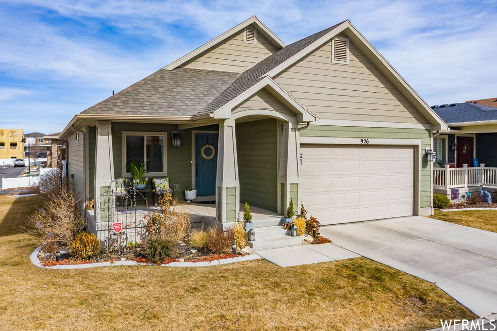 Photo of 926 W DELOREAN LN, Midvale, UT 84047 (MLS # 1726016)