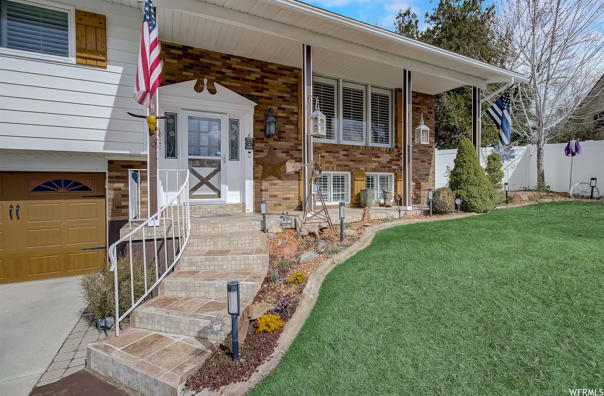 Photo of 788 S EMERALD HILLS E DR, Bountiful, UT 84010 (MLS # 1732020)
