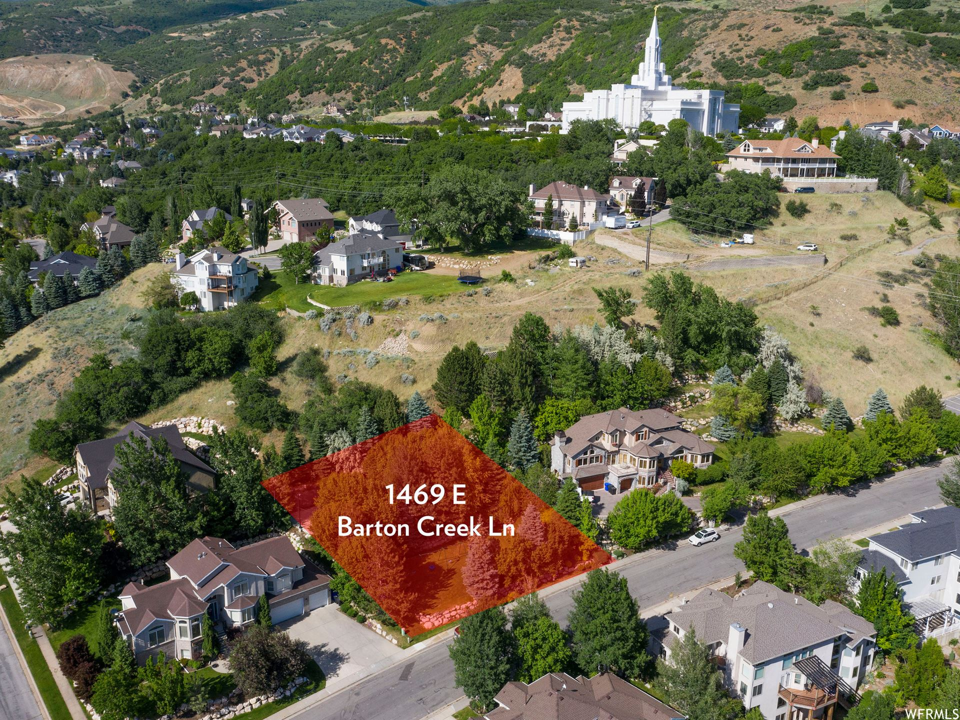 Photo of 1469 E BARTON CREEK LN, Bountiful, UT 84010 (MLS # 1680034)