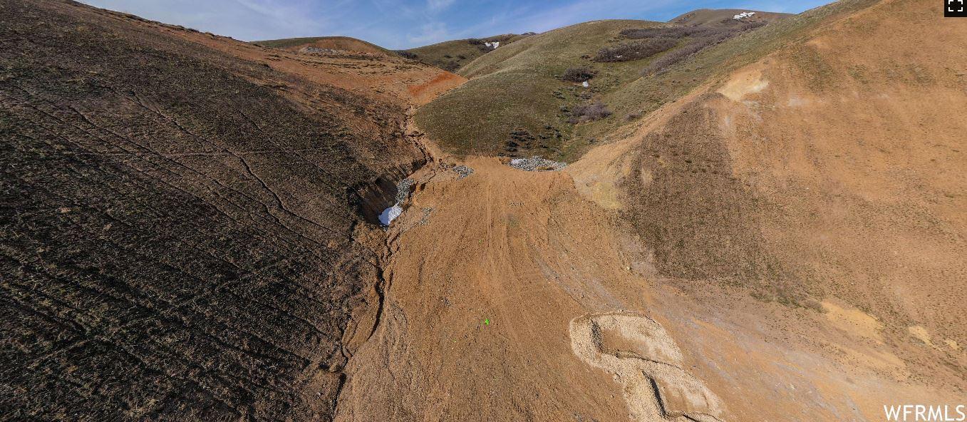 Photo of 4478 N SEASONS E DR #135, Lehi, UT 84043 (MLS # 1729042)