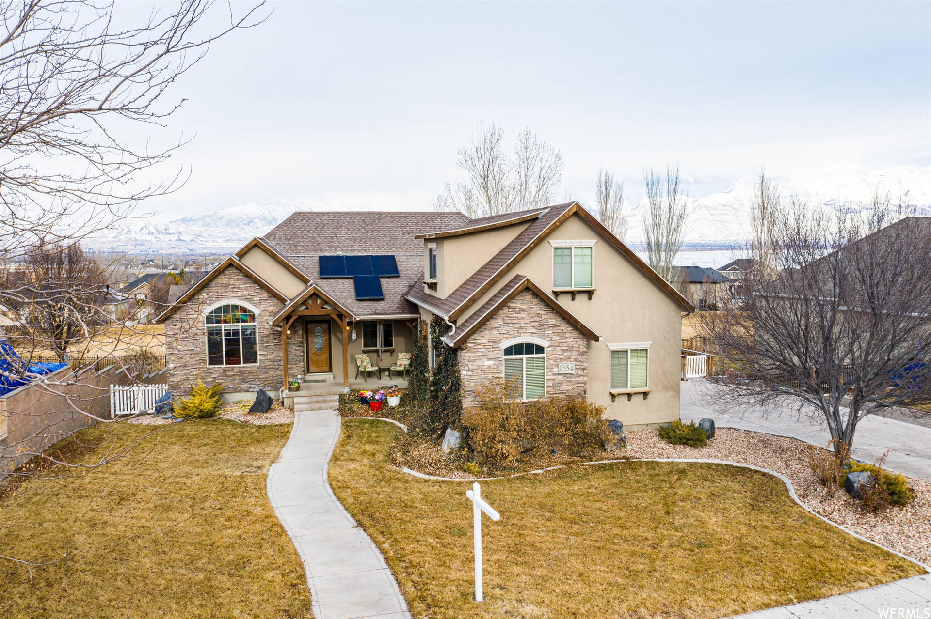 Photo of 1334 S PARKSIDE DR, Saratoga Springs, UT 84045 (MLS # 1722058)