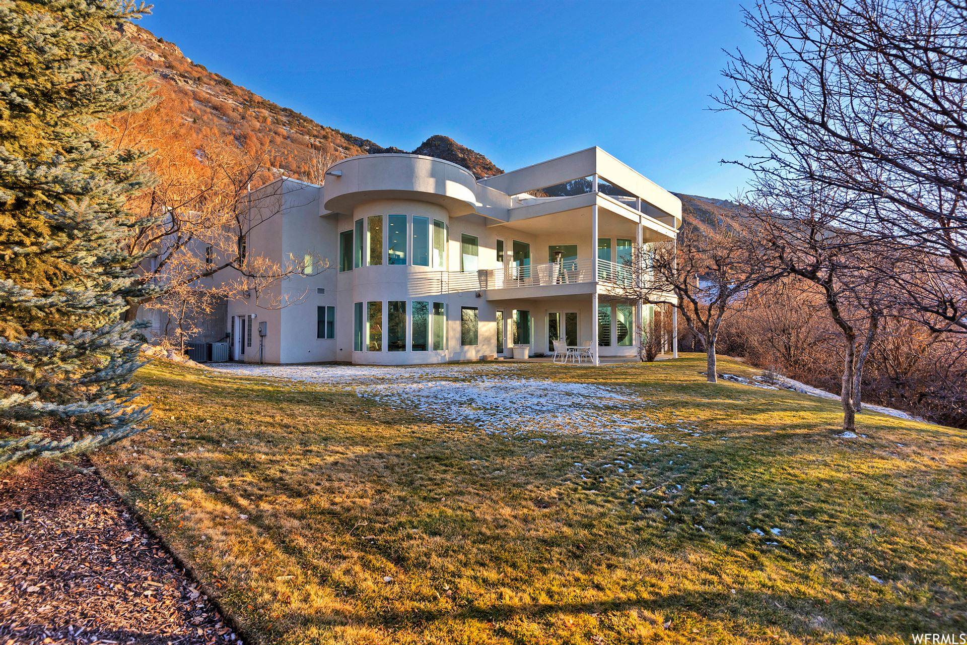 Photo of 11242 EAGLE VIEW DR, Sandy, UT 84092 (MLS # 1721075)