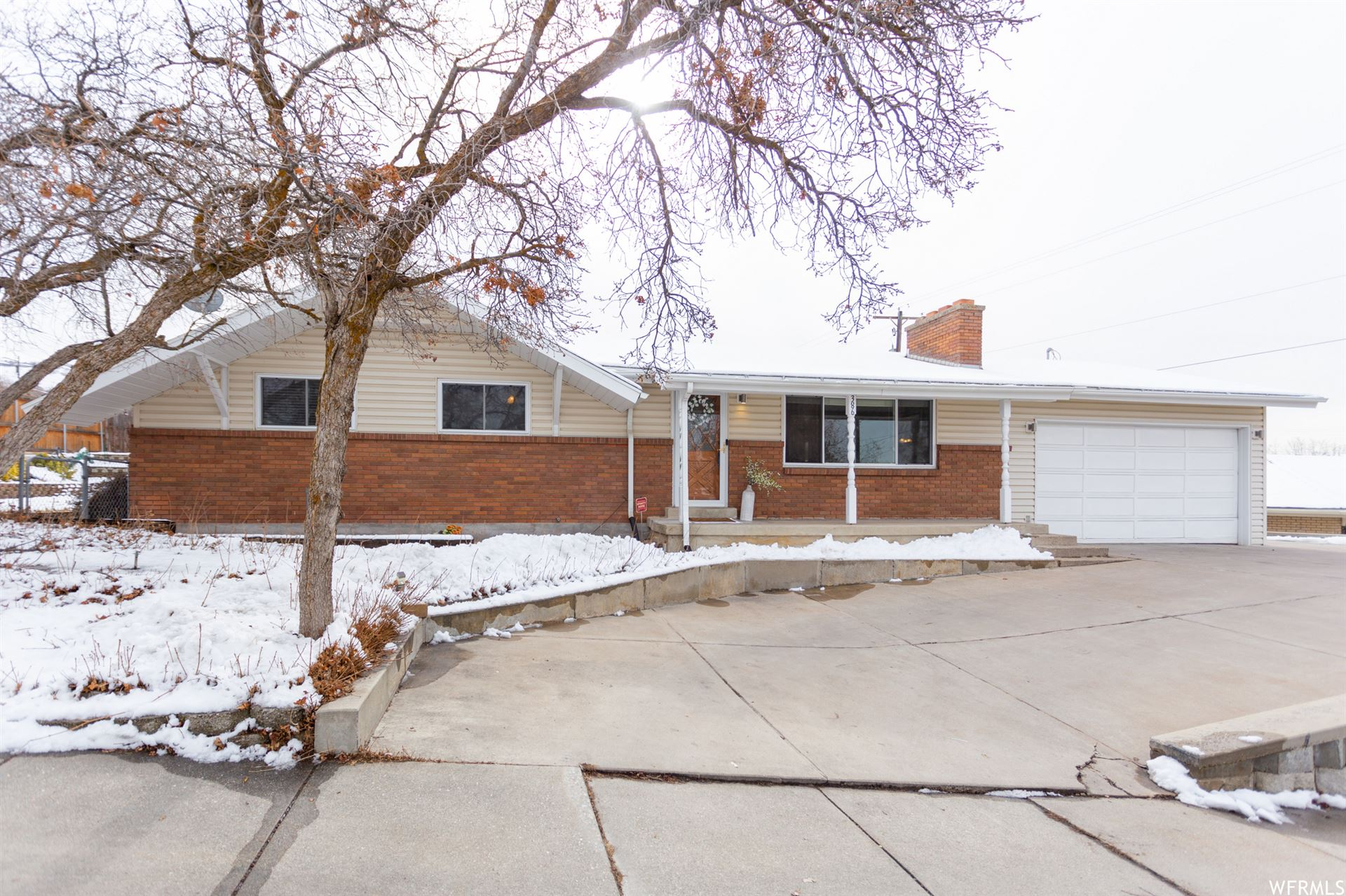 Photo of 386 E 2100 S, Bountiful, UT 84010 (MLS # 1723086)